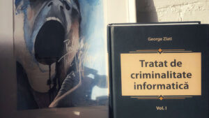 recenzie tratat de criminalitate informatica - editura solomon